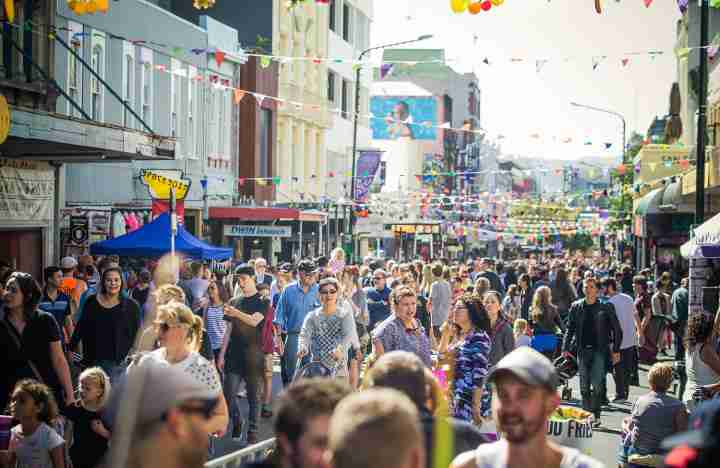 Crowds at the CubaDupa festival