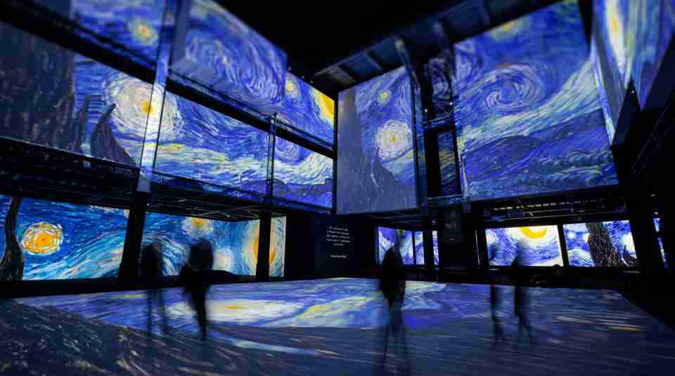 Digital Nights Wellington Van Gogh starry night Rome